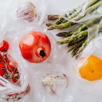 asla_plastik_kapta_saklamamanız_gereken_yiyecekler